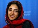 Иран запретил молодой актрисе, снявшейся голой, возвращаться на родину