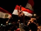 Демонстранты громят посольство Сирии в Каире после сообщений об огромном числе жертв в Хомсе