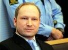 Убийца 77 человек Андерс Брейвик, насмешивший людей в суде, доволен своим имиджем в СМИ