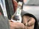 Полторы тысячи человек отравились алкоголем на Урале