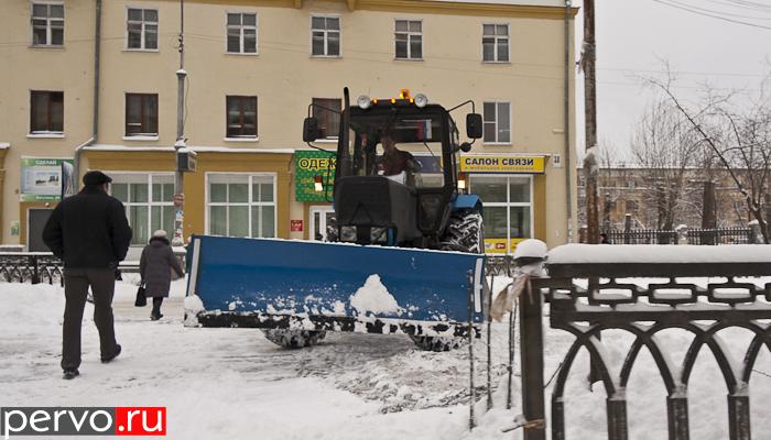 В связи со снегопадом, в Первоуральске выведена вся снегоуборочная техника