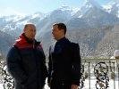Медведев поздравил Путина с победой на выборах