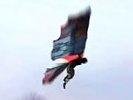 """ВИДЕО с полетом """"крылатого человека"""" взбудоражило Сеть. Он уже выдал тайну"""