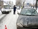Сегодня в Первоуральске на пешеходном переходе сбили женщину. Видео. Фото