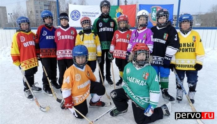 При поддержке ПНТЗ состоялся пятый юбилейный турнир по хоккею с мячом на приз клуба «Плетеный мяч»