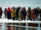 На Сахалине завершилась спасательная операция: с дрейфующей льдины эвакуировали 675 рыбаков
