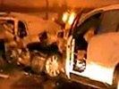"""На МКАД полиция выставила """"живой щит"""" против пьяной женщины на Mercedes: разбили шесть машин. ВИДЕО"""