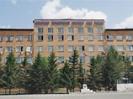 Семьи полицейских перекрыли улицу в Красноярске: их выселяют из общежития