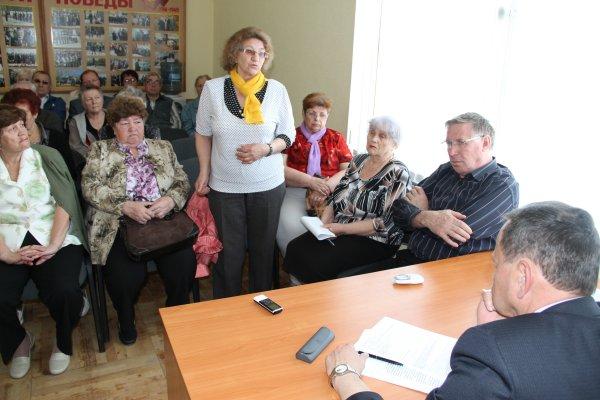 Ветераны ПНТЗ осудили отказ главы Первоуральска Юрия Переверзева выдать разрешение на запуск электросталеплавильного комплекса