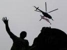 Вертолет-участник парада Победы в Москве флаг не терял: уронил только 1800 кг груза