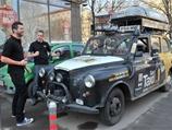Трое британцев совершили кругосветное путешествие на такси, проехав 69,5 тысячи км