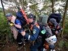 Операция на месте крушения Superjet стоит РФ 30 млн. Спасатели: люди спят прямо в джунглях