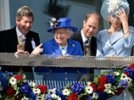 Британия отмечает бриллиантовый юбилей королевы. Начали со скачек