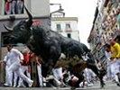 Забеги быков в Памплоне стартовали по плану: семеро серьезно раненных за день. ВИДЕО