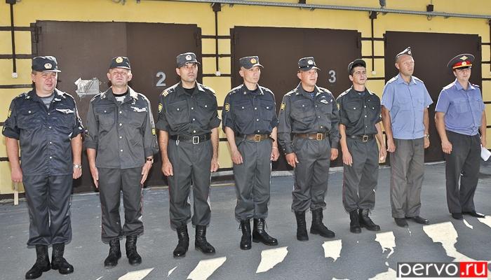 В Первоуральске семь работников ОМВД отправились служить в Дагестан