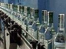 Россияне не хотят отказываться от водки, ее продажи только растут