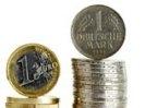 Немцы и французы все больше хотят возвращения марок и франков