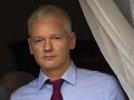 Ассанж показал прессе свою жизнь в посольстве: без окон и с матрасом на полу