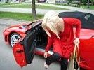 В Подмосковье безработный ограбил безработную и сжег ее Porsche и Ferrari